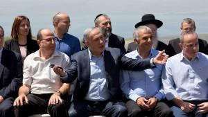 تثبيت خطوط محادثات السلام السورية يغري إسرائيل